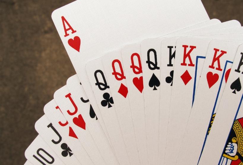 21點贏錢的3大技巧,撲克牌遊戲玩家必須知道的攻略